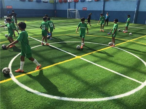 山西中老年足球俱乐部训练基地挂牌 - 中国新闻
