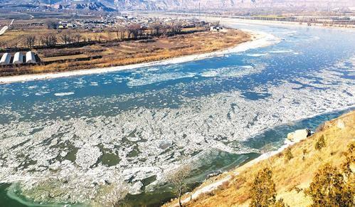 黄河河曲段出现大面积流凌