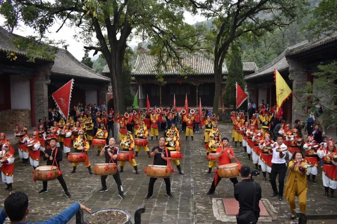 霍州节目精彩纷呈,市领导与群众共度佳节