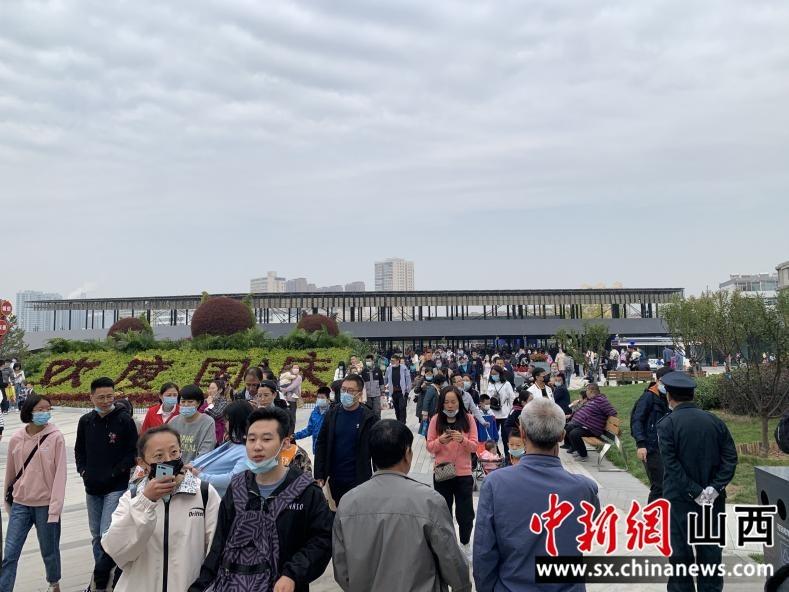 """""""""""双节""""期间 太原杏花岭区接待游客33万人"""