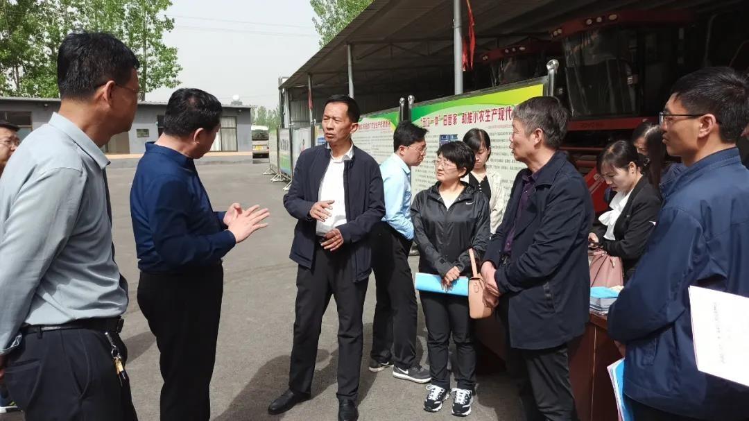郭惠民带队赴洪洞县参观农业生产托管服务工作