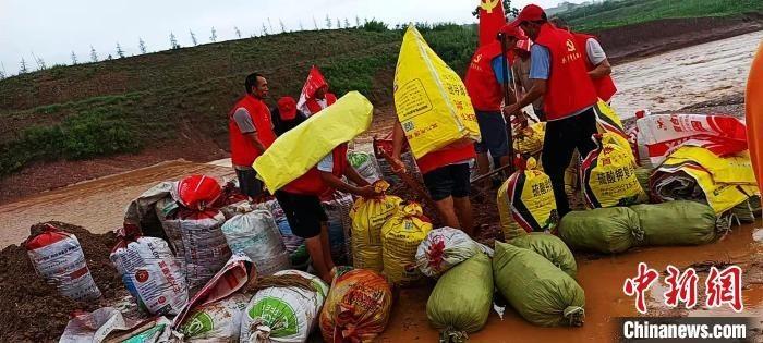 河南汝阳板棚村:那雨那痛那感动
