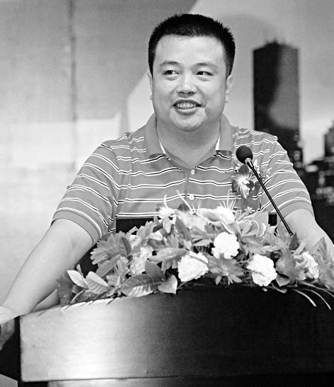 对话新浪网第—股票博主徐小明_中国新闻